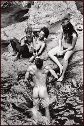 Tom Bianchi original gelatin silver print depicting two female nudes and one male nude